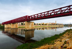 Footbridge nazwany Pont De Ferrocarril nad Ebre Tortosa Zdjęcia Royalty Free