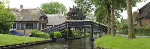 Footbridge over canal Royalty Free Stock Photography