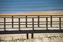 Footbridge to a beach Royalty Free Stock Photos