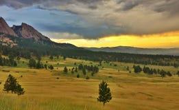 foothills over sunset стоковая фотография