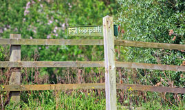 Footpath sign. Post in the countryside of Windsor, Berkshire Royalty Free Stock Images