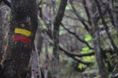 footpath sinal treking imagens de stock royalty free