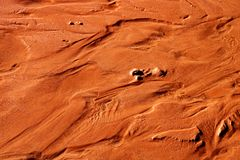 Footprints in the sand on the footpath towards Horseshoe Bend in Arizona stock photo