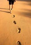 Footptints на песке Стоковая Фотография RF