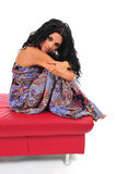 footstool представляя сексуальную женщину стоковое изображение rf