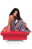 footstool представляя сексуальную женщину стоковые фотографии rf