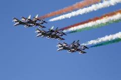 Força aérea especial italiana da unidade - Frecce Tricolori - Foto de Stock Royalty Free