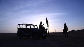 Força de segurança fronteiriça no deserto video estoque