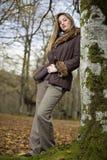 Forêt d'automne de fille Photo libre de droits