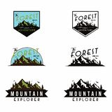 Forêt, vecteur Logo Set de calibre d'insigne d'aventure de montagne Image libre de droits