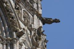 Fora da catedral de Chartres, em França fotografia de stock