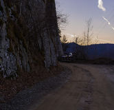 Fora da estrada nas montanhas Fotografia de Stock