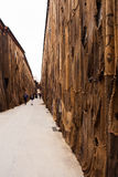 Fora dos limites por Ibrahim Mahama, Arsenale 56th Veneza bienal Foto de Stock Royalty Free