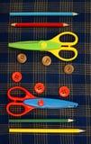 Forbici, bottoni, tessuto, Fotografia Stock Libera da Diritti