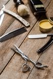 Forbici del barbiere e della cera fotografie stock