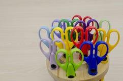Forbici di plastica colorate Immagini Stock Libere da Diritti