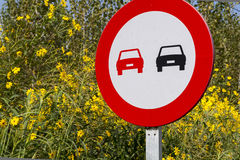 Forbidden overtaking sign Royalty Free Stock Images