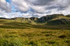 Forboding-Himmel über irischer Landschaft Lizenzfreie Stockfotografie