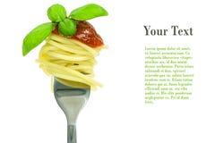 Forcella della pasta con basilico Immagini Stock Libere da Diritti