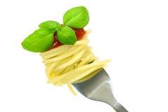 Forcella della pasta con basilico Immagini Stock