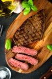 Forcella rara tagliata dell'aglio del sale del pepe della bistecca Fotografia Stock