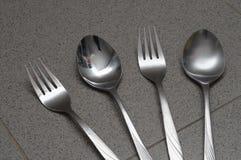 Forchetta e cucchiaio alternati Immagini Stock Libere da Diritti