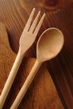 Forchetta e cucchiaio di legno fotografia stock libera da diritti