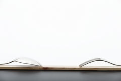 Forchetta e cucchiaio su legno Immagine Stock Libera da Diritti