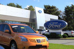 Ford Car Dealership Imagens de Stock Royalty Free