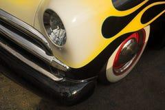 Ford clásico con las llamas Foto de archivo libre de regalías