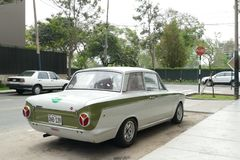 Ford Cortina Mark I 2 deurzaal in Lima royalty-vrije stock fotografie