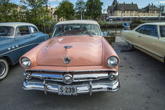 Ford Crestline Skyliner Coupe 1954 Images libres de droits