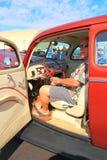 Ford Deluxe Tudor Sedan 1940 V-8: instrumentbräda Fotografering för Bildbyråer