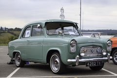 Ford 100e popular de lujo Fotografía de archivo libre de regalías
