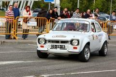 Ford Escort MKI durante el eslalom 2012 de la ciudad de Leiria foto de archivo