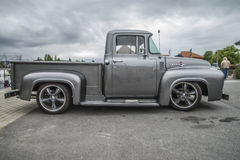 1956 Ford F100 pickup Stock Photo