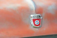 Ford F-100 pojazdu odznaka obraz royalty free