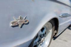 Ford Fairalne Falcon Fender Emblem immagini stock