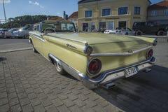 1959 Ford Fairlane 2 Convertibele Deur Stock Afbeeldingen