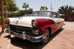 Ford Fairlane Crown Victoria Coupe stelde in Lima tentoon Royalty-vrije Stock Afbeelding