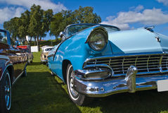 Ford fairlanecabriolet 1956 Royaltyfria Bilder