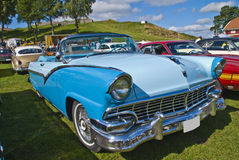 Ford fairlanecabriolet 1956 Arkivbild