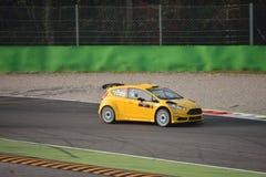 Ford Fiesta samlar bilen på Monza Fotografering för Bildbyråer