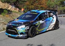Ford Fiesta WRC durante a lanterna da reunião de 32 ° Foto de Stock Royalty Free