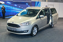 Ford Grand C-maximum photos stock