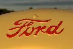 Ford logo in på en traktor Fotografering för Bildbyråer