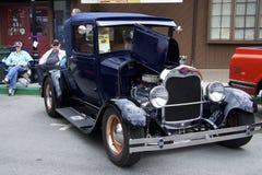 """Ford Model A (1927) """"deporte Coupe"""" en el salón del automóvil Imágenes de archivo libres de regalías"""