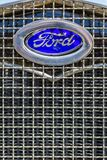 Ford Model 1930 en skyddsgaller Royaltyfria Foton