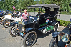 Ford Model T bilar i rad Royaltyfri Foto