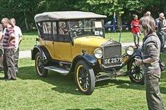 Ford model T opentop bil på det Brodie slottet. Royaltyfria Foton